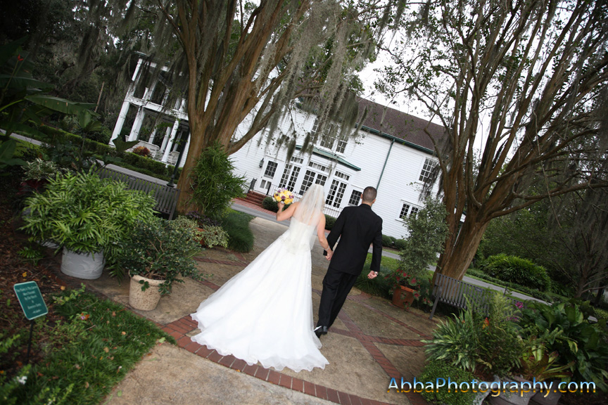 Leu Gardens wedding shot by Orlando photographer